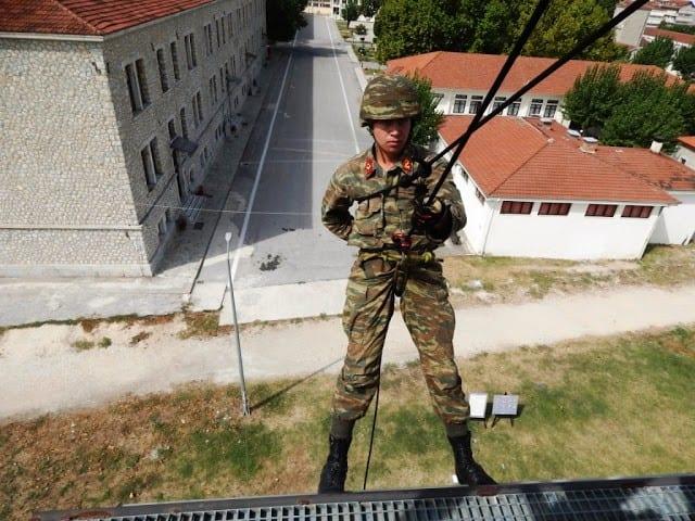 Στρατιωτικές Σχολές: 15νθήμερη άδεια εντός νομού