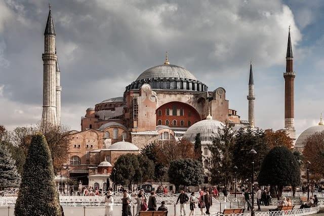 Αγία Σοφία LIVE εικόνα - Πένθιμα χτυπούν οι καμπάνες σε Ελλάδα Κύπρο Αγία Σοφία: Σε 15 ημέρες η απόφαση Τουρκία: Μάταιες οι ελληνικές δηλώσεις για την Αγία Σοφία Κωνσταντινούπολη, Αγία Σοφία
