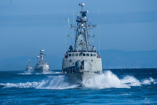 Νέα Δομή Δυνάμεων: Δημιουργείται Στόλος Κρήτης στο ναύσταθμο Σούδας - Οι Ένοπλες Δυνάμεις στρέφουν το ενδιαφέρον στην Ανατολική Μεσόγει Καταιγίδα 2020: Αιφνιδιαστική ακύρωση ΟΛΩΝ των ασκήσεων στις ΕΔ Προσφυγικό: Νέα μέτρα αποτροπής με συμμετοχή Ενόπλων Δυνάμεων Πολεμικό Ναυτικό φρεγάτες, τορπίλες