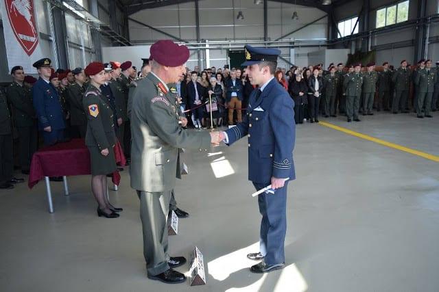 Αεροπορία Στρατού: Αυτοί είναι οι νέοι πιλότοι μας 2 Αεροπορία Στρατού: Αυτοί είναι οι νέοι πιλότοι μας