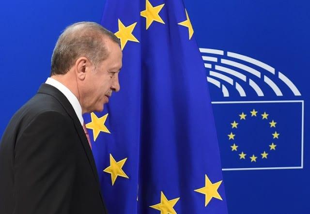 Μετανάστευση: Τι συμβαίνει με τη συμφωνία ΕΕ - Τουρκίας;