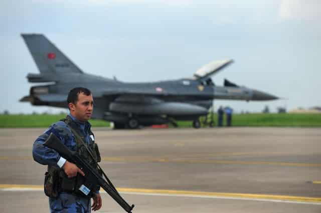 Τουρκική Αεροπορία κατά Κούρδων