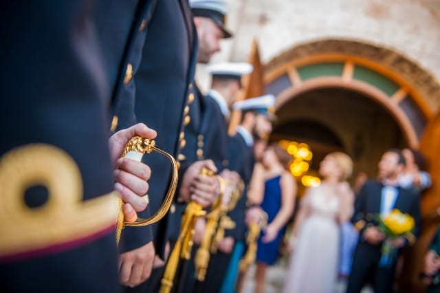 Οικογένεια στρατιωτικών, Συνυπηρέτηση συζύγων