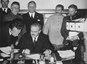Σύμφωνο Μολότοφ – Ρίμπεντροπ, 23 Αυγούστου
