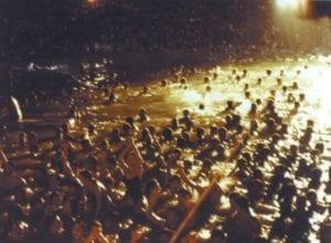 Πάρτυ στη Βουλιαγμένη 1983, 25 Ιουλίου