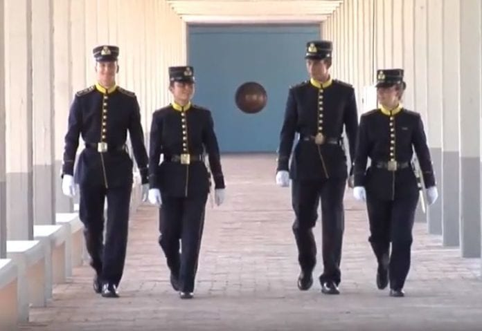 ΣΣΕ κρούσματα καραντίνα Σχολή Ευελπίδων: Αυτός είναι ο νέος Διοικητής ΣΣΕ 2020 - Θα διαδεχθεί τον υποστράτηγο Χούπη ο οποίος ήδη τοποθετήθηκε στην Ρόδο  Πανελλήνιες 2019 Προκήρυξη στρατιωτικών σχολών 2019 - Όλες οι αλλαγές Σχολή Ευελπίδων