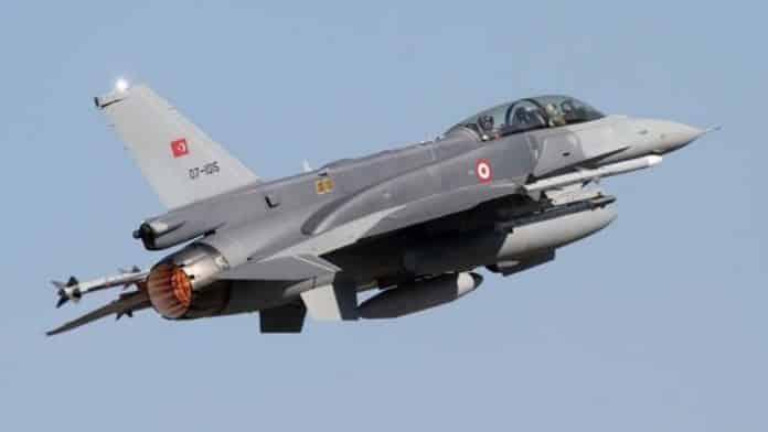 Τουρκικό F-16 κατέρριψε μαχητικό Su-25 της Αρμενίας Προκλητικές πτήσεις τουρκικών F-16 πάνω από το Καστελόριζο Έβρος: Η στιγμή που τουρκικά F-16 παρενοχλούν το ελληνικό ελικόπτερο επιτήρησης πάνω από το Πύθιο - Πέταξαν ξυστά πάνω από τις στέγες των σπιτιών Πάρτι τουρκικών προκλήσεων στο Αιγαίο με καταπάτηση των ΜΟΕ Τουρκικό F-16