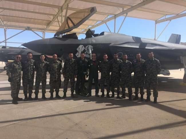 Τουρκικά F-35: Πέταξε στις ΗΠΑ ο πρώτος Τούρκος πιλότος (video) 1 Τουρκικά F-35: Πέταξε στις ΗΠΑ ο πρώτος Τούρκος πιλότος (video)