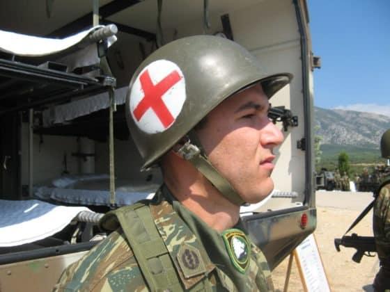 Οπλίτης γιατρός στην Ακρόπολη: Η πρώτη απόφαση Παναγιωτόπουλου Έβρος: Λείπει στρατιωτικός καρδιολόγος, παθολόγος