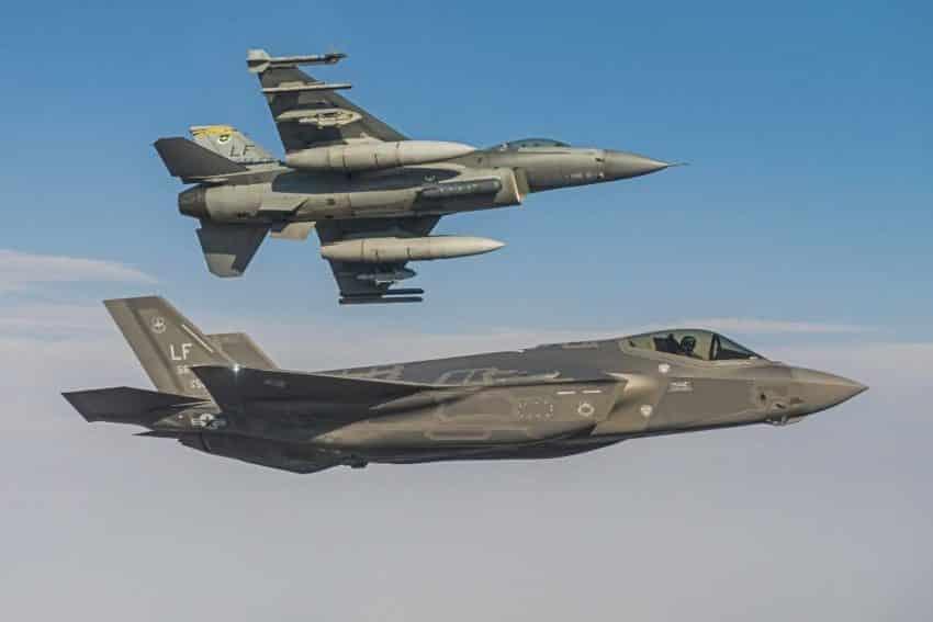 F-35-vs-F-16-viper