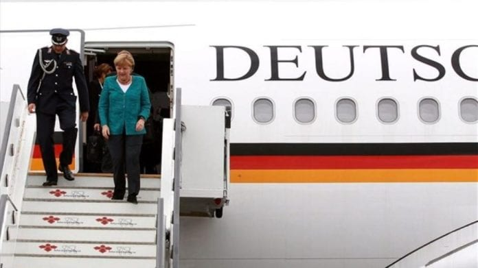 Επίσκεψη Μέρκελ: Απαγορεύτηκαν πορείες και συγκεντρώσεις Γερμανία: Δεν ήταν σαμποτάζ η βλάβη στο αεροπλάνο της Μέρκελ