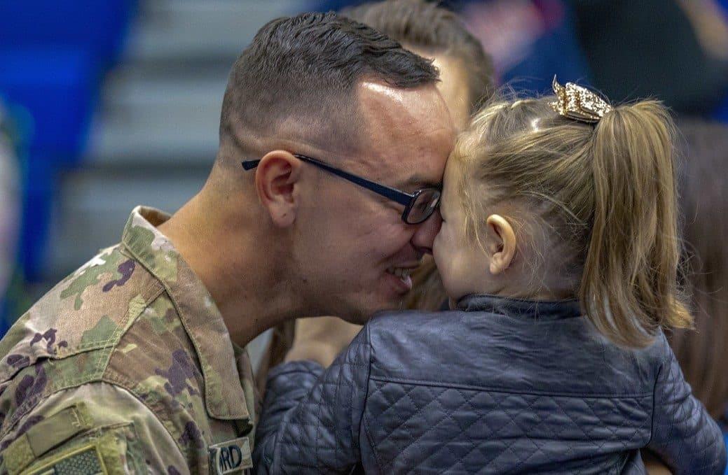 Γιορτή του πατέρα 2019: Χρόνια πολλά στους μπαμπάδες με στολή ΟΠΕΚΑ Α21: Γιατί χάνουν οι στρατιωτικοί το επίδομα παιδιού 2019 επιδόματα ΠΟΕΣ στρατιωτικοί κοινωνικό μέρισμα, όροι, προϋποθέσεις, δικαιούχοι