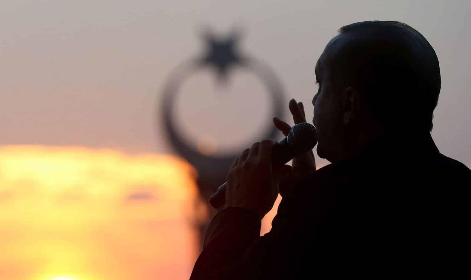 Λιμάνι από την Τυνησία για τον τουρκικό στόλο απαιτεί ο Ερντογάν Ερντογάν: Πολεμικές ιαχές για Αιγαίο Ενίσχυση δυνάμεων στην Λιβύη Ερντογάν ζει Κυπριακή ΑΟΖ: Γιατί ο Ερντογάν ΔΕΝ θα τολμήσει γεώτρηση τώρα Μυστήριο με κεφάλαια 58 δισ $ στην Τουρκική Κεντρική Τράπεζα Ερντογάν