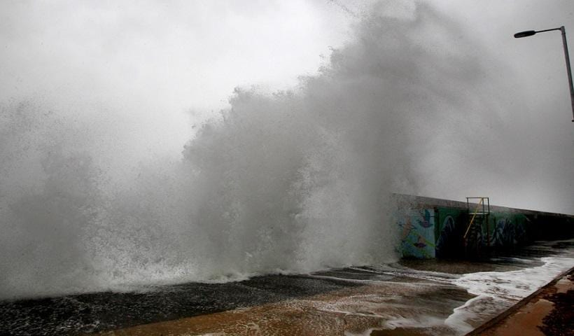 Meteo Έκτακτο δελτίο - Καιρός 5 Φεβρουρίου: Θυελλώδεις άνεμοι & χαλάζι