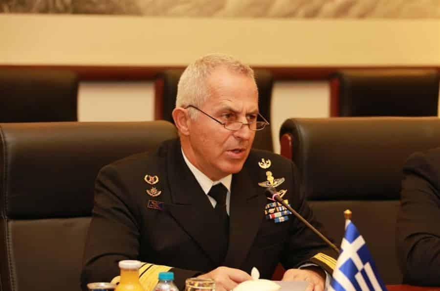Αποστολάκης Ο Άγ(ρ)ιος πόλεμος στη Σαντορίνη ερώτηση στη Βουλή για Αποστολάκη