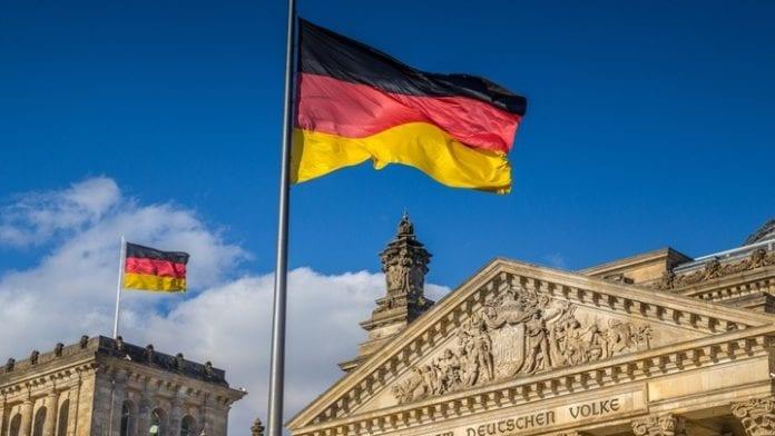 Η Γερμανία «αδειάζει» την κυβέρνηση για τη συμφωνία ΑΟΖ με Ιταλία Η Γερμανία πούλησε προηγμένο σύστημα ραντάρ στο Κατάρ που υποσχέθηκε επενδύσεις 10 δισ