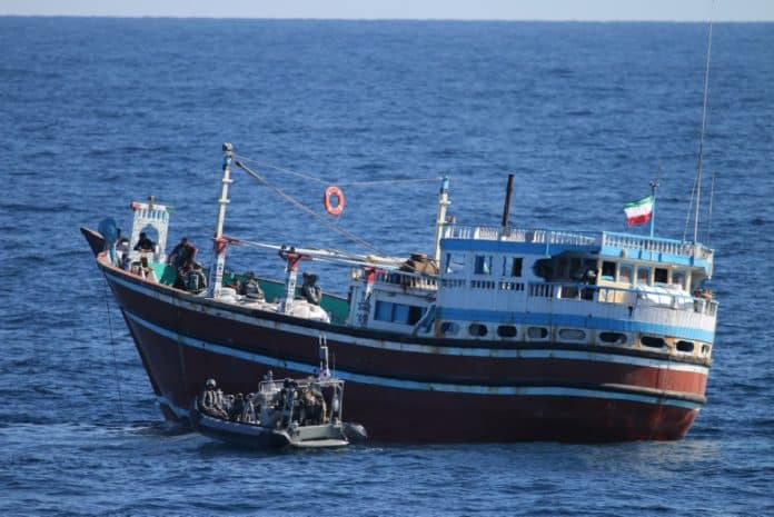 Φρεγάτα κατέσχεσε 3,1 τόνους χασίς στην Αραβική θάλασσα