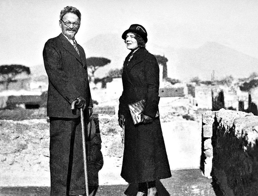 31 Ιανουαρίου 1929: Ο Λέων Τρότσκι εξορίζεται από τη Σοβιετική Ένωση.
