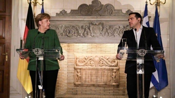 Μέρκελ: Δεν ισχύει η συμφωνία ΕΕ - Τουρκίας για πρόσφυγες εκτός Συρίας