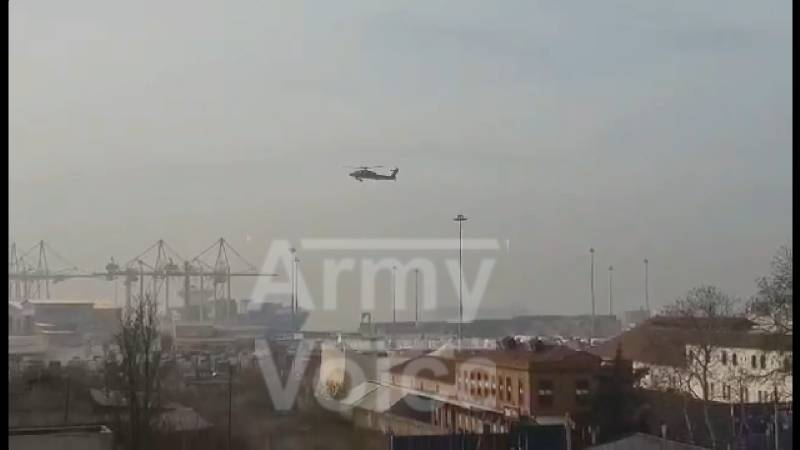 Αμερικανικά ελικόπτερα Apache: Τι έκαναν σήμερα στο λιμάνι της Θεσσαλονίκης