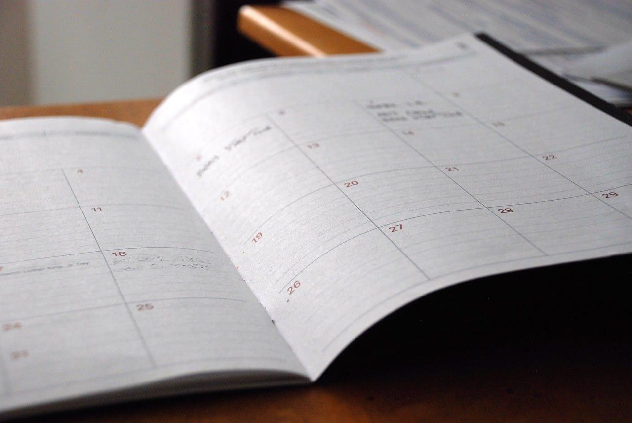 Αγίου Πνεύματος 2019: Ποιοι αμοίβονται με +75% αν εργαστούν στην αργία 15 Φεβρουαρίου γιορτή: Ποιος γιορτάζει σήμερα - Εορτολόγιο Τσικνοπέμπτη 2019 -Πότε πέφτει - Πότε ανοίγει το Τριώδιο - Ημερομηνία για το Καρναβάλι 2019, την Καθαρά Δευτέρα 2019 και τις επίσημες αργίες