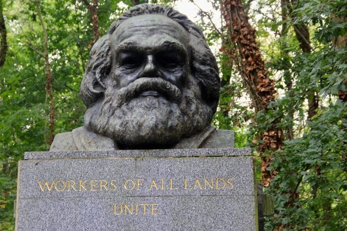 Λονδίνο: Βεβηλώθηκε ξανά ο τάφος του Καρλ Μαρξ