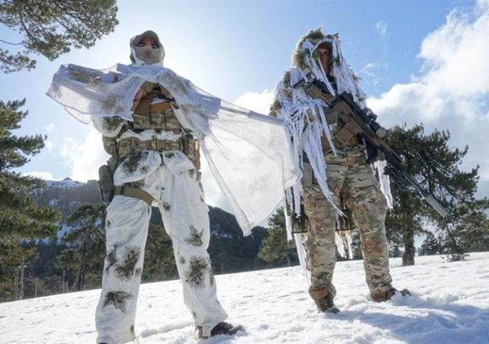 Οι καταδρομείς βγήκαν στα χιόνια να ...ξεμουδιάσουν - Εντυπωσιακό Video