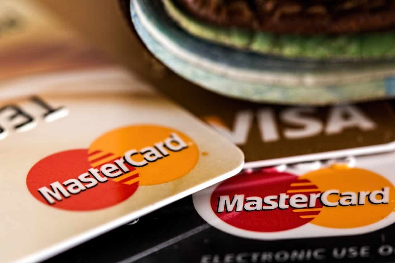 Ανέπαφες συναλλαγές με κάρτες: Τι αλλάζει από 14 Σεπτεμβρίου