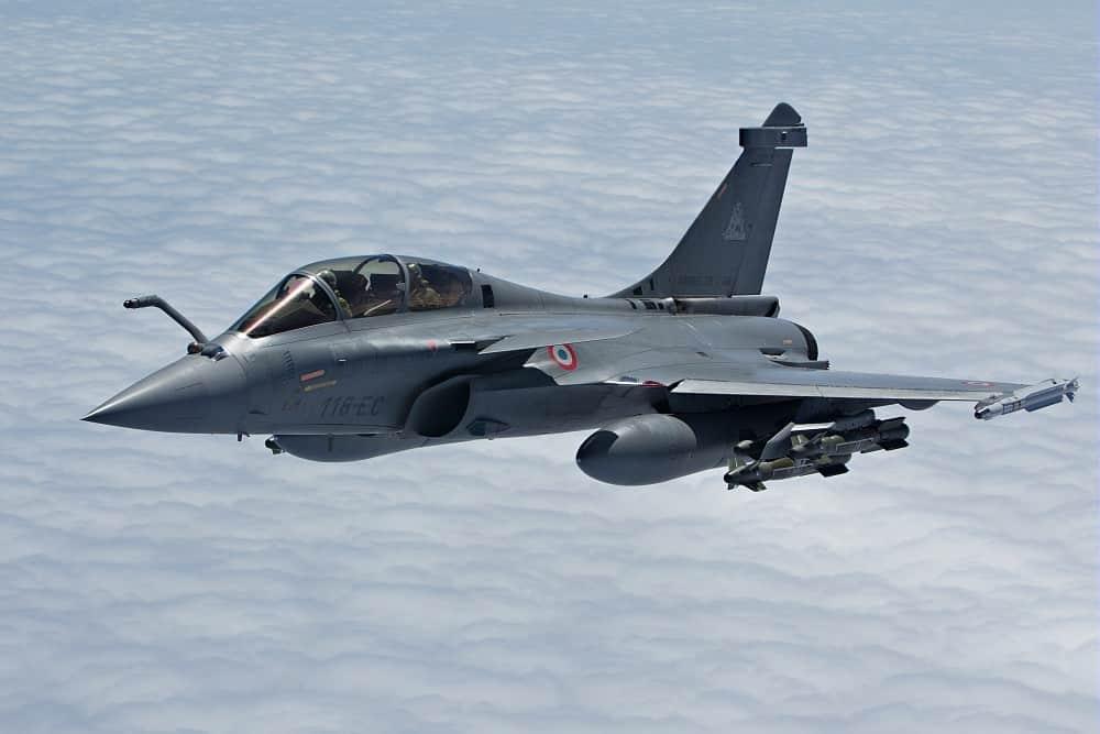 «Ψήνεται» συνάντηση Μητσοτάκη Μακρόν για εξοπλισμούς - Ελλάς Γαλλία συμμαχία αγορασμένη με μαχητικά Rafale και τορπίλες έναντι αδρού τιμήματος Rafale: Γαλλικά Αεροπλάνα πάνω από την Πάφο - Μήνυμα στην Τουρκία