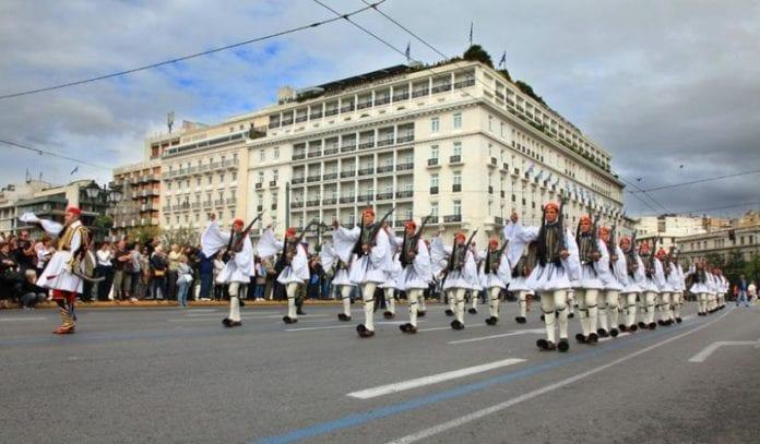 25η Μαρτίου «Μακεδονία Ξακουστή» έπαιξε η μπάντα των ΕΔ