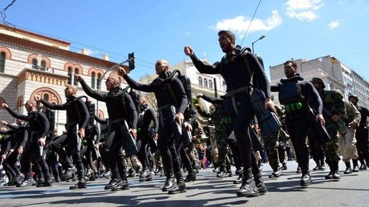 Πολεμικό Ναυτικό: 2 Βατραχάνθρωποι τραυματίστηκαν ελαφρά κατά τη διάρκεια εκπαίδευσης - Μεταφέρονται προληπτικά στο ΝΝΑ 25η Μαρτίου - Παρέλαση: Κινητοποίηση με το «Μακεδονία Ξακουστή»