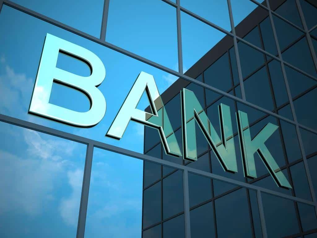 Απεργία τραπεζών 2 Οκτωβρίου Απεργία τράπεζες 24 Σεπτεμβρίου - Συμμετοχή στην 24ωρη της ΑΔΕΔΥ ΕΛΤΑ Αγίου Πνεύματος 2019: Μαγαζιά, Σούπερ Μάρκετ, Τράπεζες Τι ώρα κλείνουν οι τράπεζες Ωράριο Τραπεζών 2019: ΠΡΟΣΟΧΗ αλλάζει - Τι ώρα κλείνουν οι τράπεζες