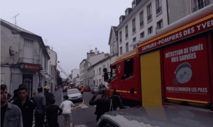 Φωτιά στις Βερσαλίες - Συναγερμός πάλι στη Γαλλία