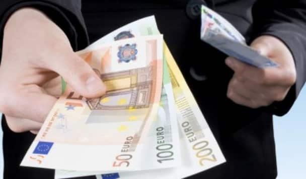 Αναδρομικά συντάξεων 2020: Ποιοι θα πάρουν έως €1.800 Τελευταία νέα Κοινωνικό μέρισμα 2019: Ποσά & δικαιούχοι - koinoniko merisma 2019 Αναδρομικά συνταξιούχοι: Οι δόσεις για ΙΚΑ, ΟΑΕΕ, ΝΑΤ, ΔΕΚΟ, Δημόσιο