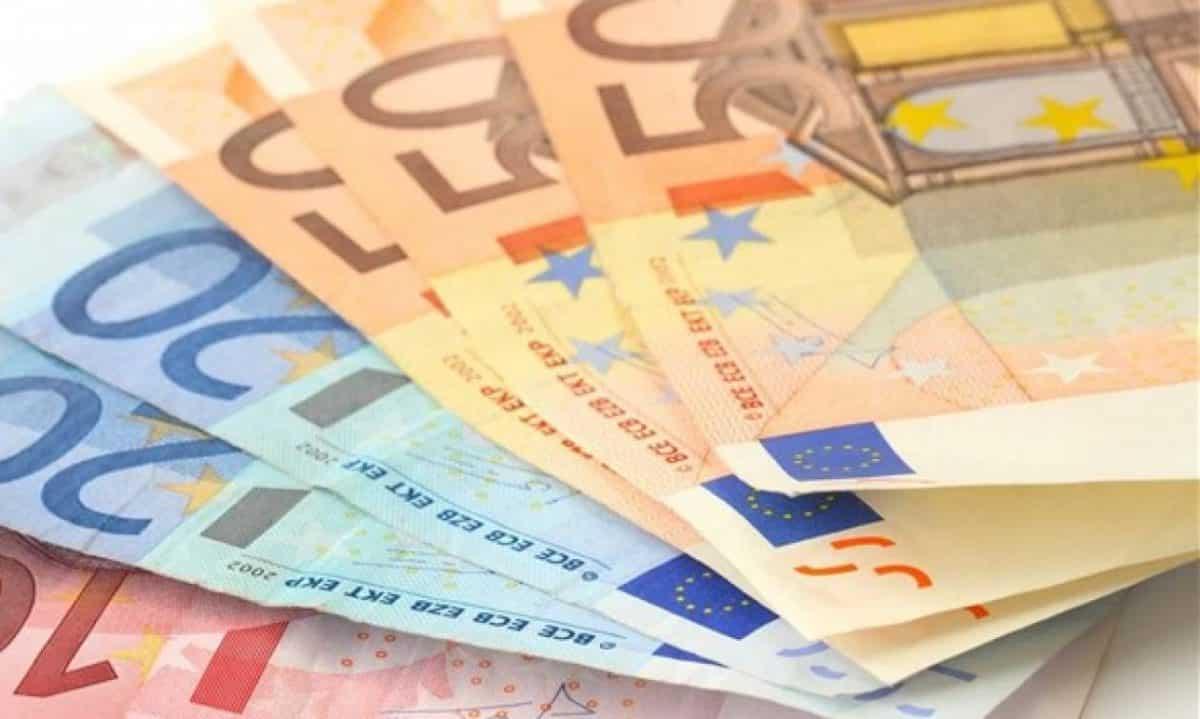 800 ευρώ Ελεύθεροι επαγγελματίες - αυτοαπασχολούμενοι ΚΑΔ Αναδρομικά συνταξιούχων 2019: Δόσεις σε ΕΦΚΑ, ΙΚΑ, ΟΑΕΕ, ΝΑΤ, ΔΕΚΟ