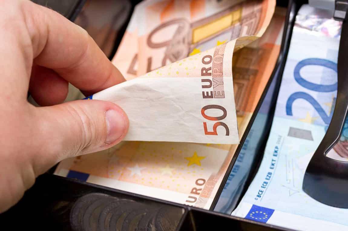 Αναδρομικά συντάξεων 2020: Ποιοι θα πάρουν έως €1.800 Τελευταία νέα Συντάξεις Σεπτεμβρίου ΙΚΑ-ΕΦΚΑ-ΟΑΕΕ-ΟΓΑ-ΝΑΤ-Δημοσίου Πληρωμή Συντάξεις Αυγούστου 2019 σε ΟΑΕΕ-ΙΚΑ-ΕΦΚΑ-ΟΓΑ ΚΕΑ Ιουλίου 2019 Κοινωνικό μέρισμα 2019: Ποσά & δικαιούχοι - koinoniko merisma 2019 Επίδομα ενοικίου 2019: ΠΡΟΣΟΧΗ στην προθεσμία για τα αναδρομικά