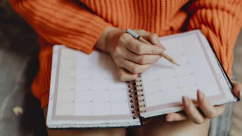 Αγίου Πνεύματος 2019: Πότε πέφτει – Πώς αμείβεται η αργία
