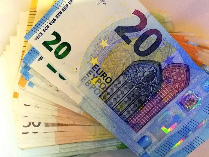 Κοινωνικό μέρισμα: Ποιοι θα το πάρουν Δεκέμβριο - Αίτηση - Κριτήρια Επίδομα ενοικίου 2019 - Πληρώνει σήμερα - Επίδομα πετρελαίου 2019 Επίδομα πετρελαίου 2019 Β' πληρωμή - Επίδομα ενοικίου 2019 Συντάξεις Ιουλίου 2019 Ημερομηνία πληρωμής - ΚΕΑ Ιουνίου 2019 13η Σύνταξη Μπαίνει νωρίτερα; -Συντάξεις Ιουνίου 2019 σε ΙΚΑ ΟΑΕΕ