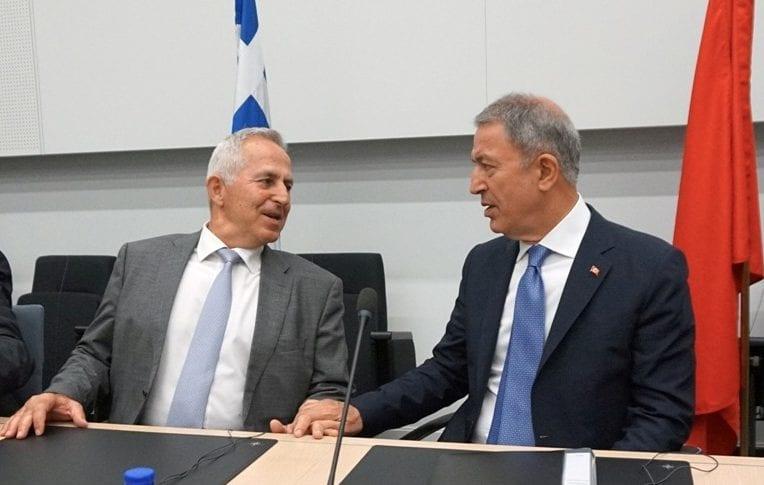 Αποστολάκης και Ακάρ χέρι - χέρι στο ΝΑΤΟ: Τι είπαν για τα ΜΟΕ