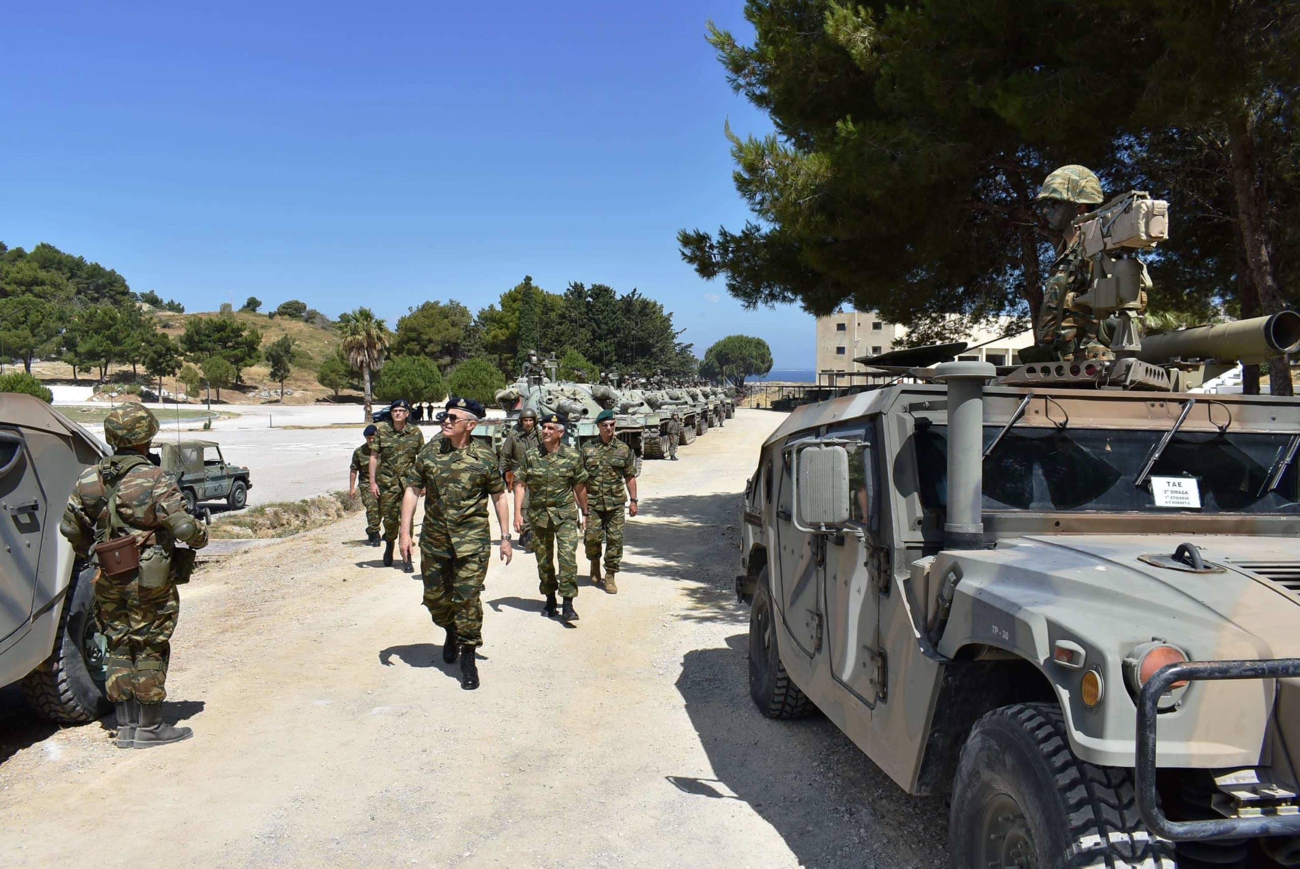 Ο Αρχηγός ΓΕΣ ηγείται άσκησης ανακατάληψης βραχονησίδας στο Αιγαίο