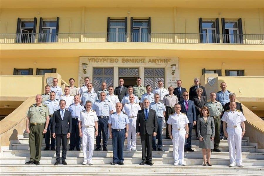 ΜΟΕ: Τι αλλάζει στις διαπραγματεύσεις μετά την παραίτηση Ζαχαριάδη