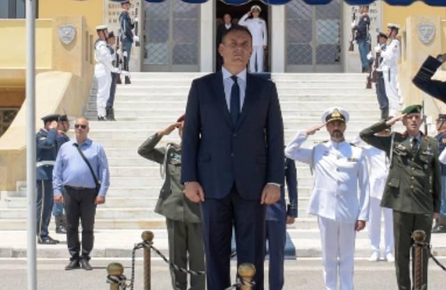 Υπουργείο Εθνικής Άμυνας ή υπουργείο στρατιωτικών χτίζει η νέα ηγεσία;