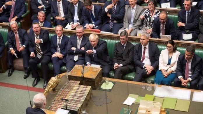 Brexit: Πάνε για πρόωρες εκλογές