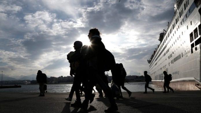 Ο Ερντογάν απαγόρευσε να διασχίζουν μετανάστες το Αιγαίο Προσφυγικό Λέσβος Στρατόπεδο Γεώργιος Παπαποστόλου: Ακραίες αντιδράσεις κατοίκων