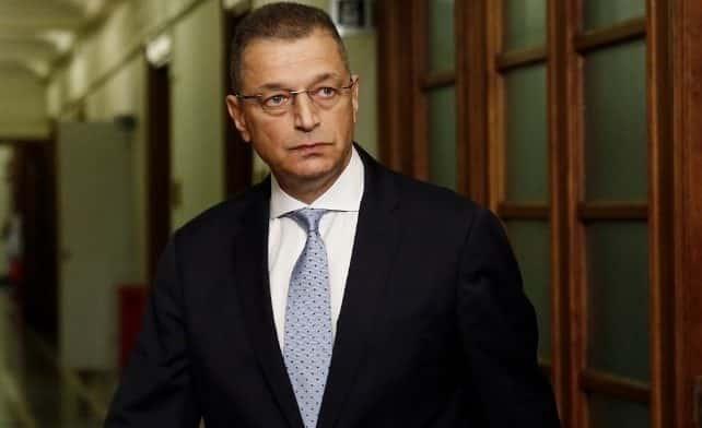 ΕΑΑΣ - Γράμμος: Οταν ο Αλ. Στεφανής «υποκαθιστά»τον πρωθυπουργό Ο Στεφανής συνάντησε την δήμαρχο Πεντέλης για το προσφυγικό Σώμα Υπαξιωματικών: Αλλάζει στάση η ΠΟΜΕΝΣ - Στηρίζει Στεφανή