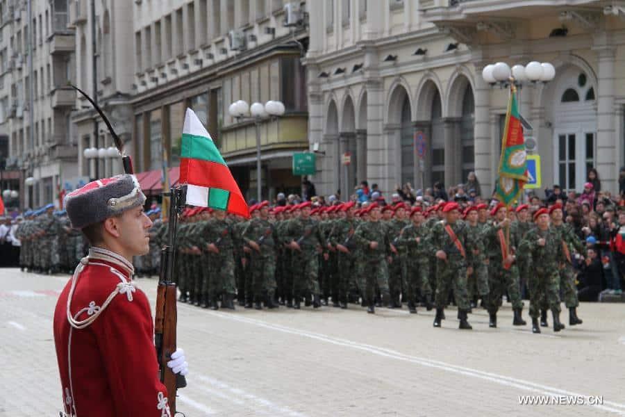 Βουλγαρία: Εθελοντική στρατιωτική θητεία και πρόσληψη στο Στρατό