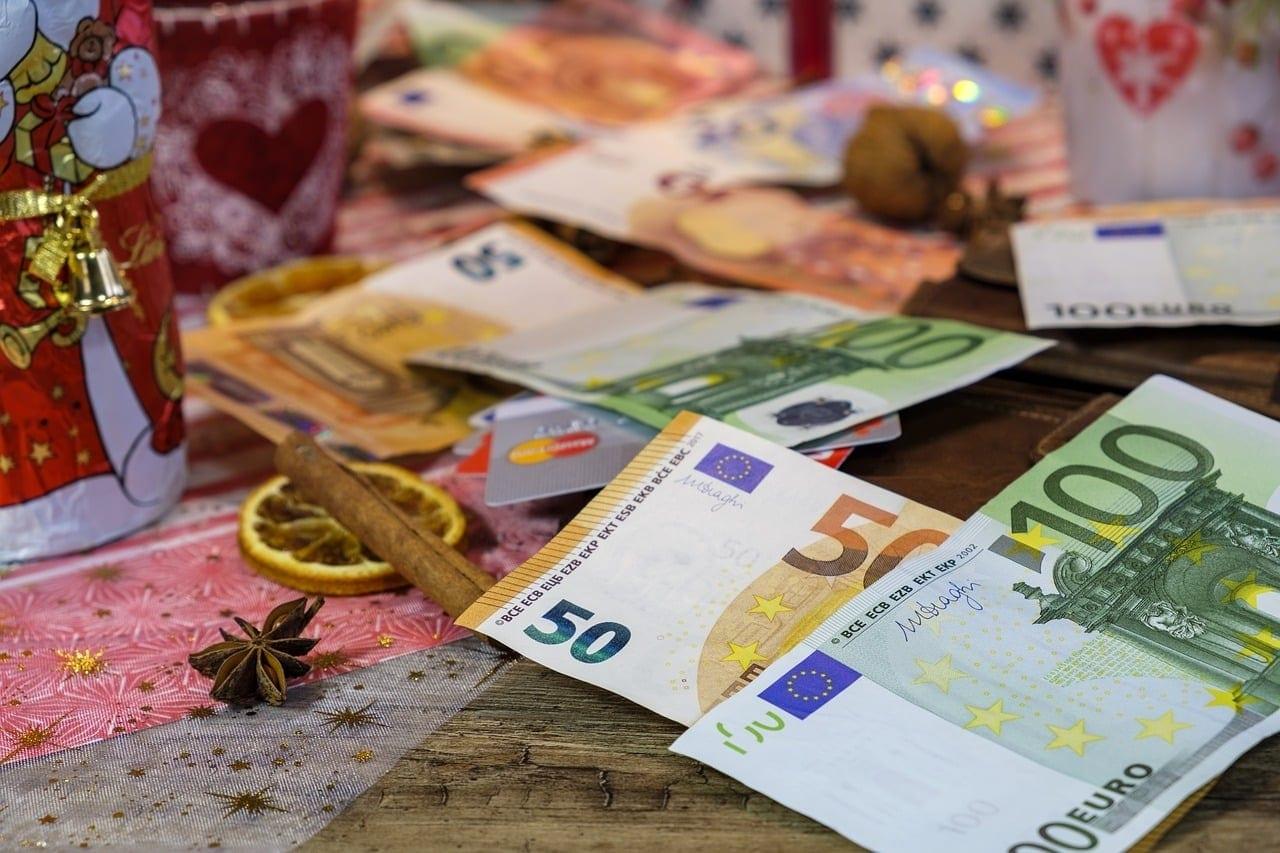 Κοινωνικό μέρισμα: Ενστάσεις έως 15 Ιανουαρίου - Πότε μπαίνει Κοινωνικό μέρισμα 2019: Ημερομηνία πληρωμής - Αιτήσεις από 17/12 ΕΦΚΑ: Συντάξεις Ιανουαρίου 2020 ΟΑΕΕ ΟΓΑ ΕΤΑΑ ΝΑΤ Πληρωμή ΟΠΕΚΑ ΚΕΑ Νοεμβρίου 2019 επίδομα ενοικίου προνοιακά επιδόματα- Πληρωμή- Αυτή την εβδομάδα τα χρήματα στους λογαριασμούς των δικαιούχων Δώρο Χριστουγέννων Υπολογισμός Online Ποσά μισθωτούς