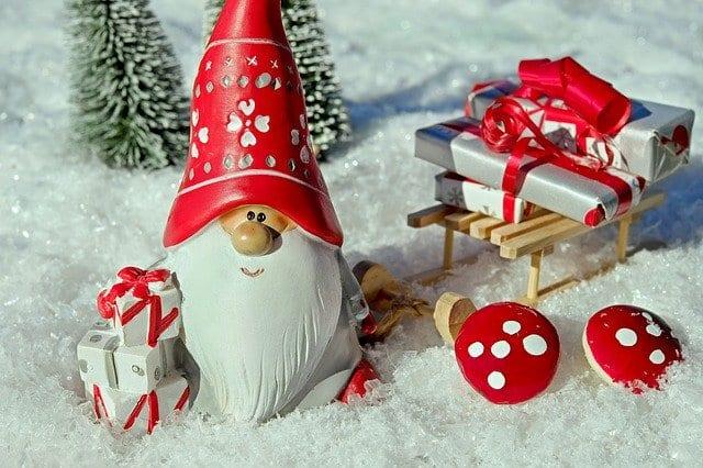 Γιορτή σήμερα 1, 2 Ιανουαρίου Εορτολόγιο Ποιοι γιορτάζουν Πρωτοχρονιά στην Ορθόδοξη εκκλησία - Μην ξεχάσετε να ευχηθείτε τα χρόνια πολλά