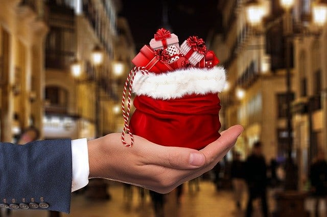 Δώρο Χριστουγέννων: €120 «μποναμάς» για υπηρεσίες στα στελέχη και το πολιτικό προσωπικό ενέκρινε ο ΥΕΘΑ Νίκος Παναγιωτόπουλος ΥΠΕΘΑ: 120 ευρώ «μποναμάς» στα στελέχη και το πολιτικό προσωπικό Στρατός Ξηράς: «Δώρο Χριστουγέννων» ΗΕΕ, Κυριακάτικα και αργίες φαίνεται ότι θα περιέχει το «εορταστικό» πακέτο στα στελέχη