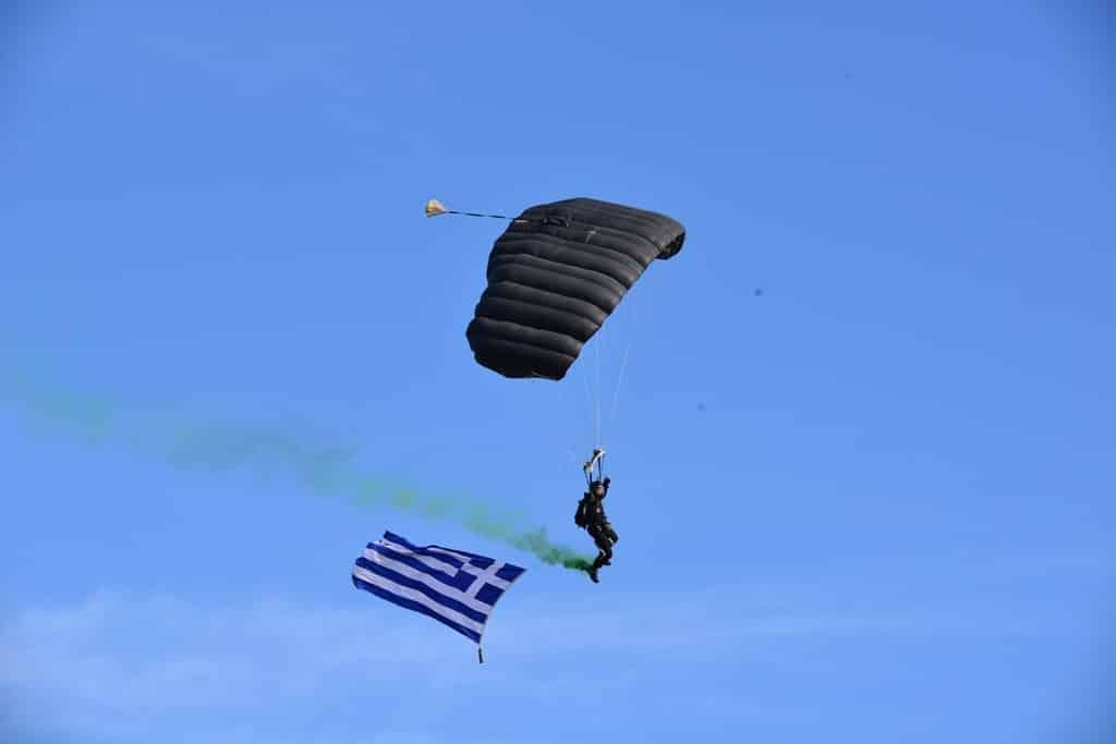 ΟΒΑ 2020: Προσλήψεις στις Ειδικές Δυνάμεις έως 15 Ιουνίου VIDEO εσπελ Έκτακτο Δώρο Πάσχα 2020: Οι Ένοπλες Δυνάμεις πάλι εκτός Ένοπλες Δυνάμεις Η νέα στρατιωτική επανάσταση και η ελληνική αμυντική στρατηγική Μάχιμη 5ετία και διπλές κρατήσεις - Θα εφαρμόσει ο ΥΕΘΑ τους νόμους;